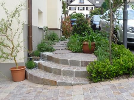 Gartentreppe Natursteinpflaster Porphyr Gartengestaltung Heidelberg