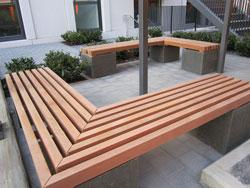Detail Sitzbank öffentlich