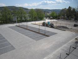 Gewerbliche Außenanlage Bepflanzung Gestaltung Parkplatz