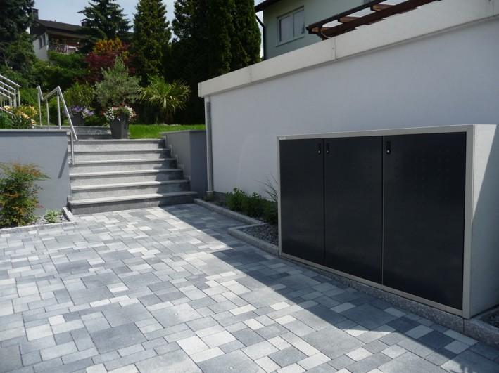 Pflaster grau changierend Betonpflaster Mülleinhausung Zugang