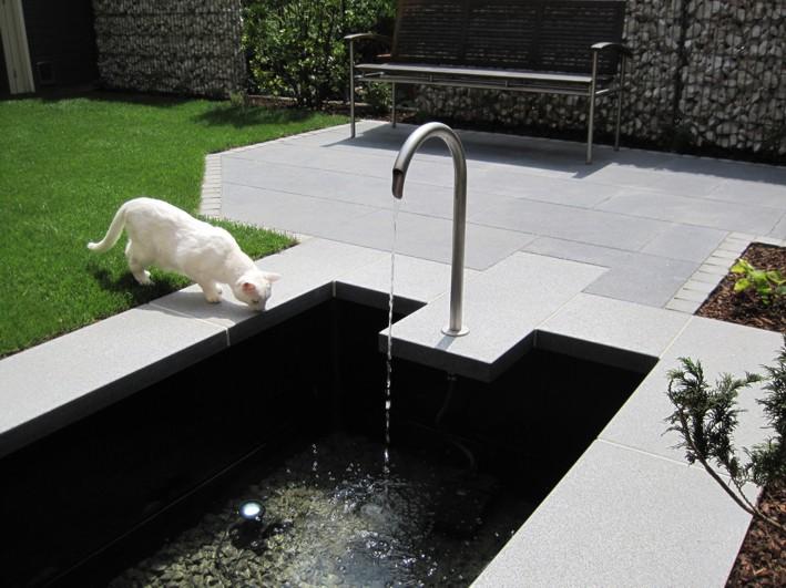 Wasserspiel modern Garten